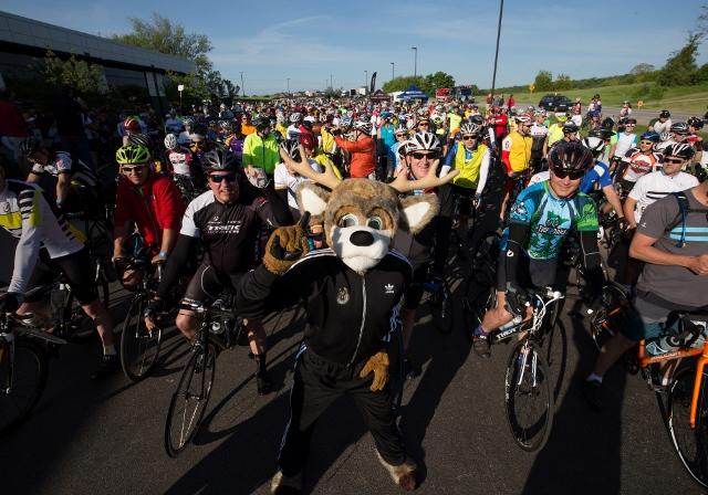 スポーツ自転車の服装