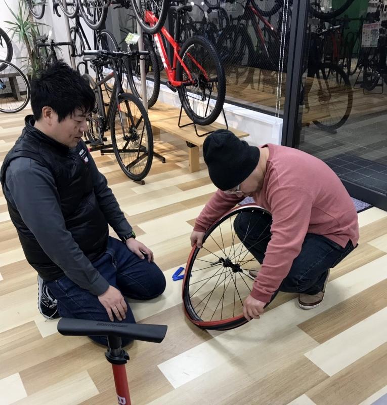 【2月は2/8(金)と23(土)に開催】パンク修理セミナーを開催しました